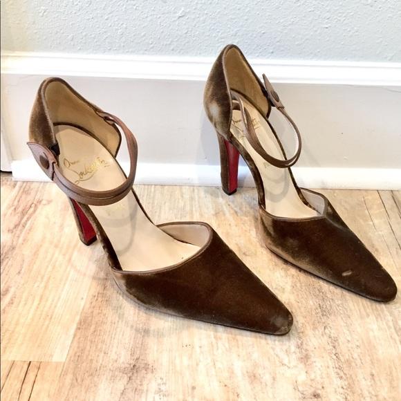 new product 1cfcb 86d5b Vintage Velvet Louboutin Heels 👠 amazing!